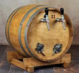 Glühweinzapfanlage 2-leitig 9 kW mit Luftkompressor im Holzfass