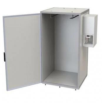 Kühlmaschine an der rechts Seitenwand